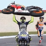 Valentino-Rossi-VS-Marc-Marquez-Meme_049bbf326246139827.jpg